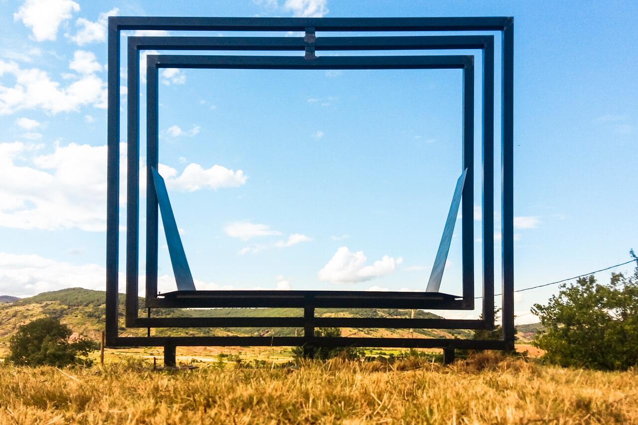 Sculpture mobile à 360° pour jardin vue fermé Métal'Rine