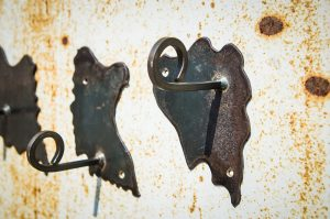3 pateres murales en metal et puzzles - Atelier Metal'Rine