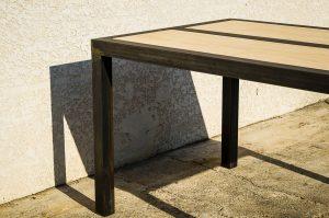 Table à manger acier, plateau bois hévéa et ombre