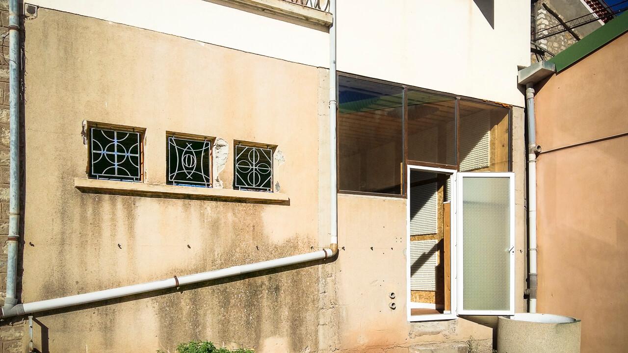 Grille décorative acier, baie vitrée acier