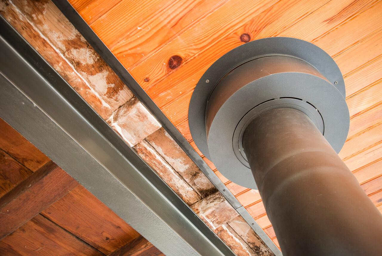 Habillage tôle pliée de finition plafond