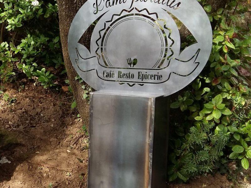 Borne Acceuil Logo découpé au Laser L'ami Paradis - Moureze - Métal'Rine