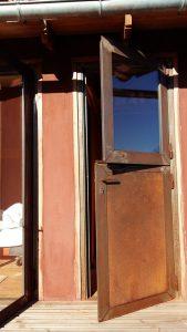 Porte style écurie pour des toilettes sèches - Métal'Rine