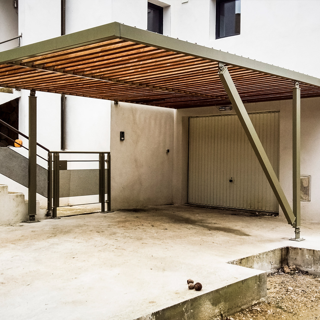 MetalRine_Fiche_Realisation_Hero_image_Carport_Portillon